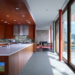 modern kitchen by Grunsfeld Shafer Architects