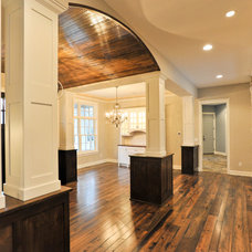 Traditional Hall by Mark D. Williams Custom Homes Inc