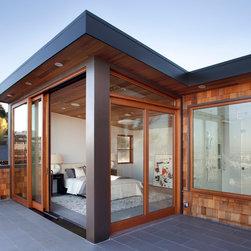 Quantum Windows & Doors | McElroy Architecture - Paul Dyer  Photography: