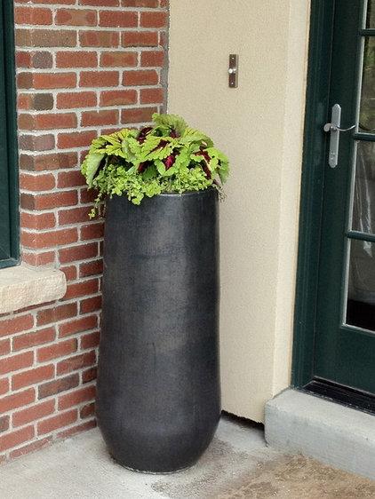by B. Gardening Landscape Design