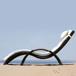Wave Outdoor Chaise Lounge - The Wave outdoor chaise lounge stacks for convenient storage.