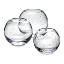 Kate Spade Larabee Dot™ Crystal Rose Bowls for Lenox - This sweet crystal ball vase from kate spade for Lenox has etched dots around it. A perfect gift for a bride and groom or a good treat for yourself!