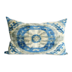 Metrohouse Designs - Roulette Silk Velvet Accent Pillow - Hand soft Ikat Silk Velvet  Accent Pillow