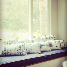 Contemporary Decorative Pillows by eskayel