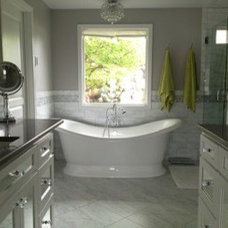 Traditional Bathtubs by Buyer's Market