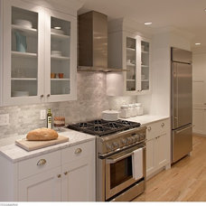 Contemporary Kitchen by Michael Merrill Design Studio, Inc