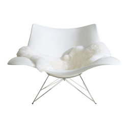 Fredericia Furniture - Stingray Rocker, White - An eye-catching almost futuristic interpretation of the classic rocking chair. A modern, dynamic piece of furniture built for comfort and which accommodates a variety of sitting positions. The shape of the rocking chair was partially inspired by a shell. This gives it a beautiful organic design which is raw on the outside but smooth and refined on the inside. A piece of furniture that provides a unique experience of inner tranquillity.