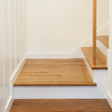 Traditional Staircase by Malcolm Davis Architecture