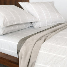 Modern Duvet Covers by Viesso