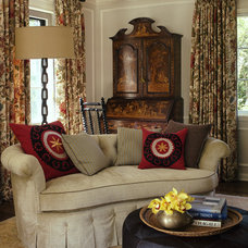 Eclectic  by Tommy Chambers Interiors, Inc.