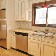 Traditional Kitchen Cabinetry by Creative Cabinetry Corp