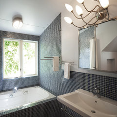 contemporary bathroom by Taylor Lombardo Architects