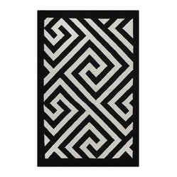 Fab Habitat - Broadway - Black & White (8' x 10') - Bold geometric shapes make the perfect pattern for a modern floor covering, and this two-toned beauty is just the rug for your contemporary decor. Expertly hand woven from 100 percent recycled cotton, this eco-chic rug is available in a variety of sizes and sophisticated color combinations.