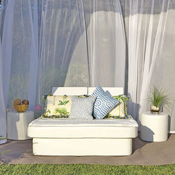 La-Fete Spa Club Now Collection - A 5-pc grouping for an instant cabana of relaxation.