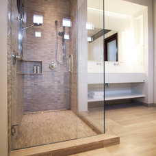 Modern Bathroom by bright designlab