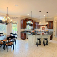 Traditional Kitchen by Summit Signature Homes, Inc.