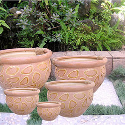 International Caravan - International Caravan Cheetah Pattern Rope-wrapped Handle Fishbowl Planters (Set - Your plants will look wonderful in these five matching fish bowl planters. Complete with a rope-wrapped handle and created with the highest-quality ceramic materials, each of these Cheetah-patterned pots is sure to look great with your garden decor.