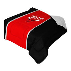 """Zappysales - Chicago Bulls Sidelines Comforter Queen - Comforter Full/Queen 86"""" x 86"""". Covers are 100% Polyester Jersey top and bottom side, filled with 100% Polyester Batting. Logos are screenprinted. Machine washable in warm water, and tumble dry on low heat."""