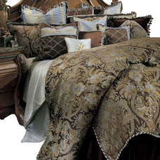 Traditional Bedding by Carolina Rustica