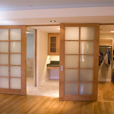 Modern Closet by Prendergast Construction Company, INC