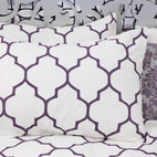 aubergine moroccan duvet cover - Oh exotic quatrefoil patterns how we love thee! Now you cover your bed with Moroccan flair thanks to this duvet cover (matching shams are available). Available in aubergine and yellow.
