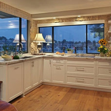 Kitchen Cabinets by MIchael C. Lee Cabinetry, Inc.