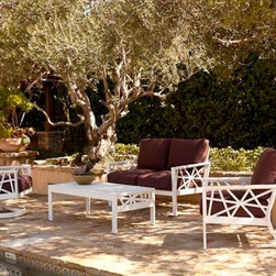 Koverton Parkview Knest 4-Piece Deep Seating Set - Fueled by a fresh outlook in the industry and the passion to create timeless pieces, Koverton offers the Parkview Knest Collection of outdoor furniture that distinctly appeals to all markets and tastes. Each Parkview Knest Collection outdoor furniture piece features understated lines and sleek designs that are united to form unique, transitional outdoor furnishings.  The Parkview Knest 4-Piece Outdoor Deep Seating Collection includes:
