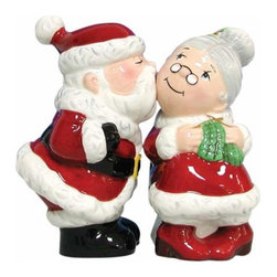 WL - 3.75 Inch Santa and Mrs. Clause Kissing on Cheek Salt and Pepper Set - This gorgeous 3.75 Inch Santa and Mrs. Clause Kissing on Cheek Salt and Pepper Set has the finest details and highest quality you will find anywhere! 3.75 Inch Santa and Mrs. Clause Kissing on Cheek Salt and Pepper Set is truly remarkable.