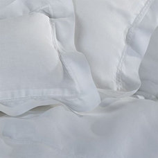 Traditional Pillowcases And Shams by eCRATER