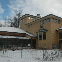 Two Season Greenhouse | Home - Solar Innovations // Greenhouses