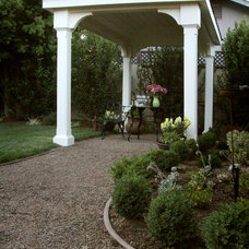 Traditional Landscape by LMK Interiors