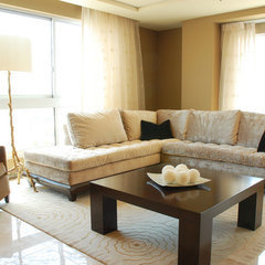 Kim-Ammie-Beige-Couch-Living_lg.jpg