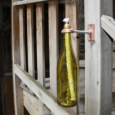 upcycled-wine-bottle-01_rect540.jpg