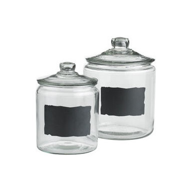 Chalkboard Jars - I love this idea for organizing all the various flours and sugars I keep collecting.
