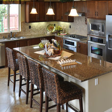 Traditional Kitchen Cabinetry by Kitchen AZ Cabinets