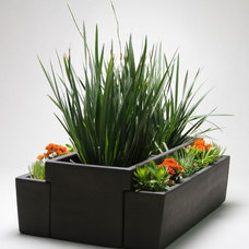 Outdoor Pots And Planters by Gainey Ceramics