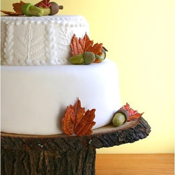 "Rustic Wood Cake Stand by Roxy Heart Vintage - Time to go back to nature. I'm in love with this rustic ""tree slice"" cake stand. The maker will even hand-carve and burn any personal message, initials or dates onto the stand."