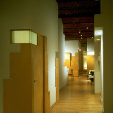Modern Hall by George Ranalli Architect