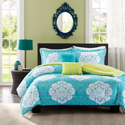 ID-Intelligent Designs - Intelligent Design Liliana Comforter Set with Two Decorative Pillows - Update your space with style and comfort with this Liliana comforter set by Intelligent Design. This set combines a modern teal with a cool green reverse to highlight its beautiful white damask print.