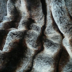 Ribbed Chinchilla Faux Fur Throw Blanket with Black Velvet Velour Backing