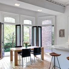 Victorian Townhouse finds Functional Modernity in Restoration