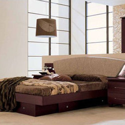 Made in Italy Leather High End Elite Furniture with Extra Storage - Miss Italia contemporary european style bedroom set. This Modern Sexy European style Bedroom Set 'Miss Italia' consists of Queen Size Bed, 2 Night Stands, 6-Drawer Double Dresser and Landscape Mirror.