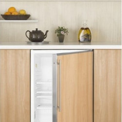 ALB751 ADA compliant built-in all-refrigerator with automatic defrost and stainl - SUMMIT's ALB751 series features 32 inch high ADA compliant all-refrigerators designed for built-in use under lower counters.