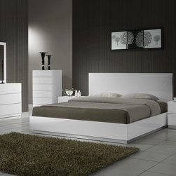 Elegant Wood Luxury Bedroom Sets - Naples modern bedroom set in white lacquer finish. Naples Bedroom by J&M Furniture offers a unique design and outlook of the modern bedroom.