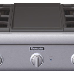 Professional Series 36 Inch Rangetop - New 36-inch Professional Series Rangetops give you the convenience of our fourth-generation pedestal Star® Burners for the highest standard in performance and convenience.