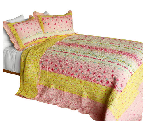 Blancho Bedding - [Magic Clover] 3PC Cotton Contained Patchwork Quilt Set Full/Queen Size) - Set includes a quilt and two quilted shams (one in twin set). Shell and fill are 100% cotton. For convenience, all bedding components are machine washable on cold in the gentle cycle and can be dried on low heat and will last you years. Intricate vermicelli quilting provides a rich surface texture. This vermicelli-quilted quilt set will refresh your bedroom decor instantly, create a cozy and inviting atmosphere and is sure to transform the look of your bedroom or guest room. Dimensions: Full/Queen quilt: 90 inches x 98 inches  Standard sham: 20 inches x 26 inches.