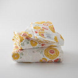 Floral Sheet Set - Designed by one of my favorite designers, Leah Duncan, this beautiful floral sheet set brings the freshness of a flower garden indoors.
