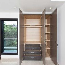 Modern Closet by Myna Homes Pvt Ltd