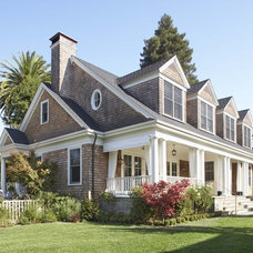 Traditional Exterior by Chambers + Chambers Architects