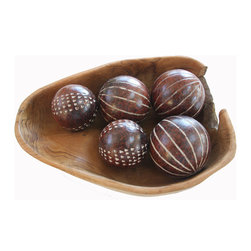 Foreign Affairs Home Decor - Decorative Ceramic Balls LEMPUNG, Set of 5, Brown with Pattern - Delightful accent pieces, these shiny brown terracotta spheres make great table decorations.